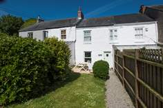 Rosie's Cottage Sleeps 3 + cot, Mousehole.
