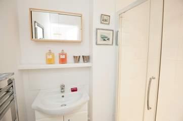 The downstairs bedroom has a en suite shower-room