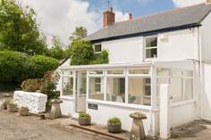 The Old Farmhouse - Holiday Cottage - 2.8 miles NE of Hayle