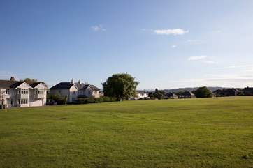 Being located right next to the green makes it a great place for children to kick a ball, throw a frisbee or have a sunny picnic.