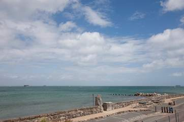 Tides Reach is situated on the beautiful Seaview Duver, with uninterrupted views across The Solent
