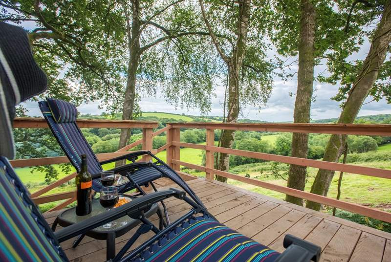The large deck has plenty of space to dine al fresco and loungers are provided too to soak up the sounds of the countryside.