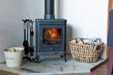 The wood-burner ensures cosiness.
