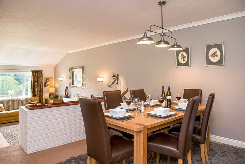 Lowen Gwel has a spacious open plan living area, perfect for everyone to spend time together.