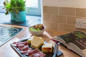Knock up a feast or two when not eating out in lovely local pubs or renowned Roseland restaurants.
