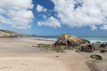 The sandy beach at nearby Kennack Sands is about a 15 minute walk away.