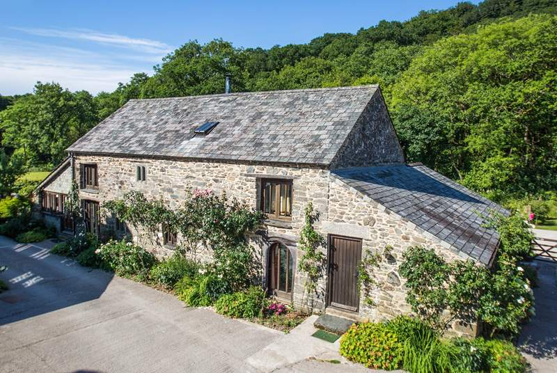 Giles Cottage is such an attractive cottage.