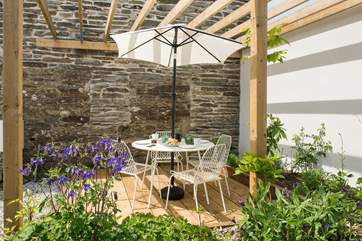 Enjoy the best of the Cornish sunshine by taking your meals alfresco