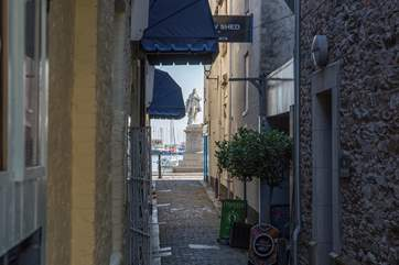 Step out of your apartment, meander down this very charming side street and you're on the harbour.