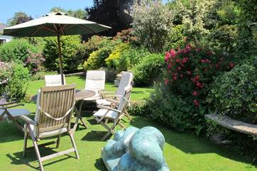 Perch in this lovely spot within the gardens and soak up the relaxing atmosphere.