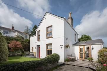 Astrantia Cottage is a three bedroom Victorian cottage.