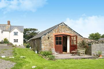 The Owners live in the farmhouse which is set back from the cottages.