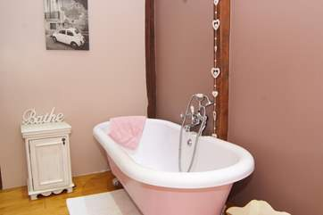 The roll-top bath is a great feature for that extra bit of luxury.