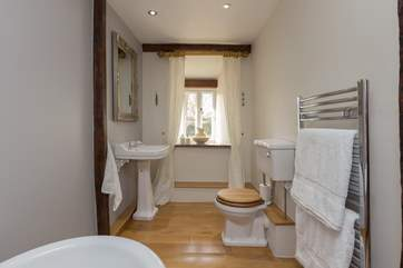 Also along the corridor of this ancient Devon Longhouse is the family bathroom.