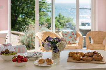 Gather your breakfast goodies and head out to the deck.