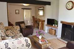 Bella Cottage Sleeps 5 + cot, Newport.