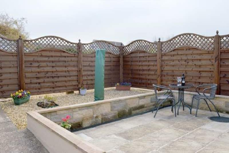 Berryl Mead View has a fully enclosed private courtyard garden