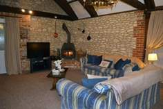 Blakes Barn Sleeps 4 + cot, 2.1 miles SE of Yarmouth.