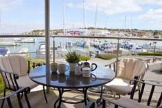 Harbour View Sleeps 4 + cot, Cowes.