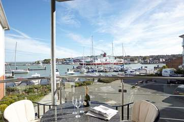 Enjoy this spectacular view across the harbour
