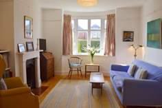 Henley House Sleeps 6 + cot, Ryde.