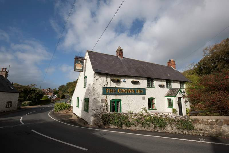 Take a stroll to the nearby pub.