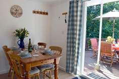 Sea Thrift - Holiday Cottage - 3.7 miles W of Ventnor