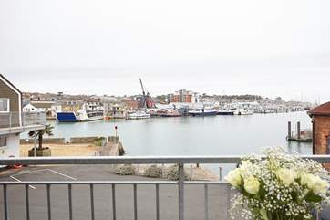 Uninterrupted views out to the River Medina and beyond to Cowes