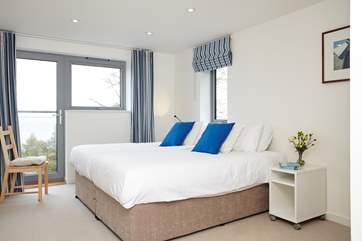 This bedroom has zip and link beds, they can be either twin or super king for flexibility.