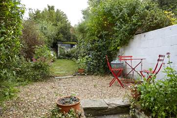 Take a bottle of wine outside and enjoy the Island's sunshine in the fully enclosed garden.