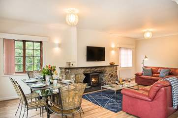 Amble Forge has a wonderful open plan living area complete with a wood-burning stove, making it warm and cosy whatever the weather.