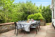 Amble Forge Sleeps 8 + 2 cots, 1.8 miles N of Wadebridge.