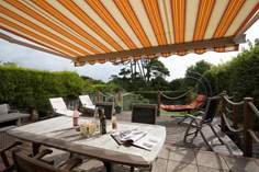 Solent Peek Sleeps 6 + cot, Totland.
