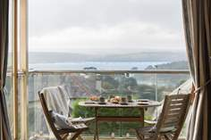 Chyandour Sleeps 6 + cot, 1.7 miles N of St Mawes.