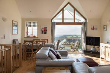 Look at that view! The reverse accommodation has the living areas on the first floor so the panoramic view can be fully appreciated.