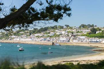 St Mawes is just a ten minute drive away.