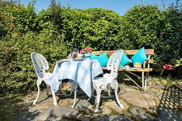 The pretty garden is a lovely spot to enjoy a morning coffee and plan your day ahead exploring this part of Cornwall.