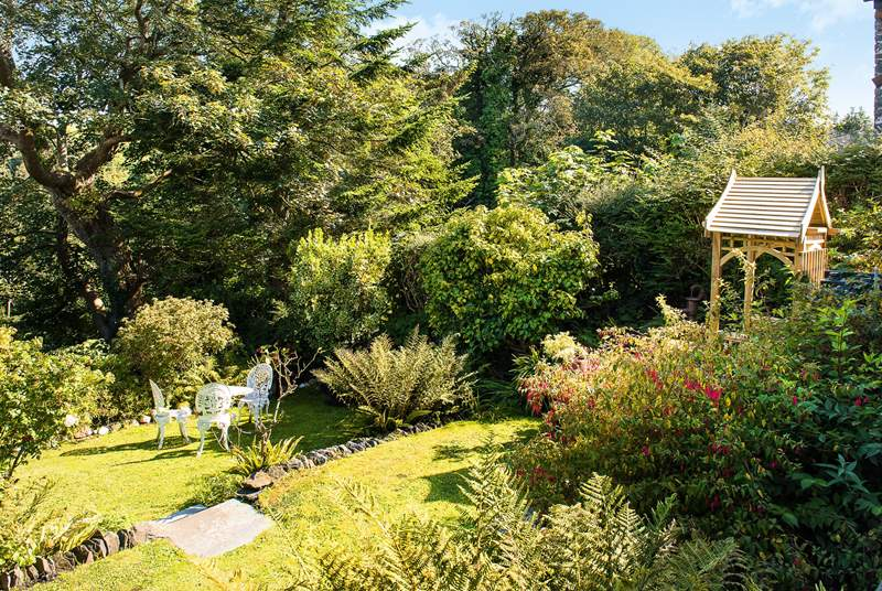 You can sit out and enjoy the owners' garden.