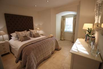 The master bedroom has a generous 5ft 6 king-size bed to sleep and dream away in