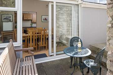 Small enclosed patio is great for letting your dog out for an unaccompanied explore.