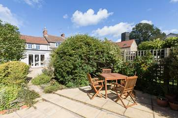 Greenhills Cottage is a beautiful stone cottage in an equally beautiful village - with a truly excellent pub -  near to the historic Somerset town of Bruton.