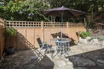 Little Ridge is a self contained annexe in the garden of Ridge House, this little patio-area faces south.