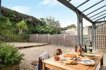 Enjoy mealtimes under the verandah.