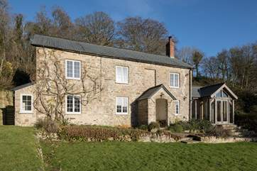 Barnell Cottage faces south west and has delightful views over Branscombe Vale.