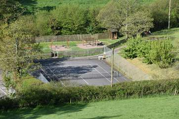 Just below Barnell Cottage there is a public tennis court, which is free to use.