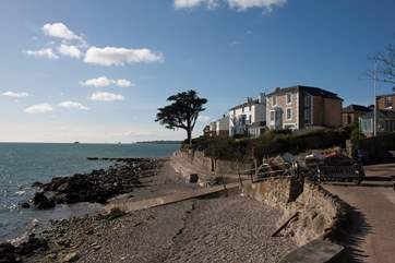 Quay rocks in Seaview, an idyllic beach ideal for swimming and crabbing