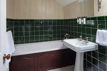 En suite bathroom to the master bedroom.