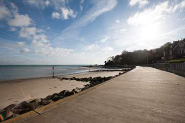 The promenade in Seagrove, ideal for beach barbecues or a walk along the beach into Priory Bay.