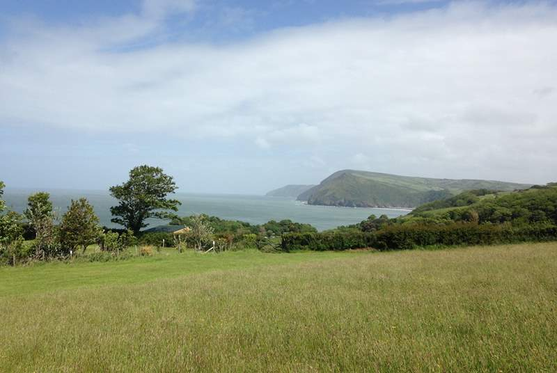 From the wide open sandy beaches beyond Ilfracombe to the cliffs and westerly reaches of the Exmoor National Park beyond Combe Martin, this setting is exceptional.