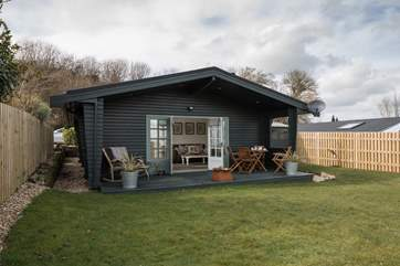 Self-contained within a fully enclosed garden, this tranquil location offers the chance to unwind